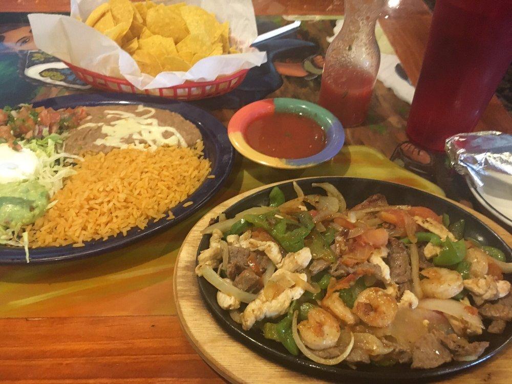 El Portal Mexican Restaurant: 1905 J St, Auburn, NE