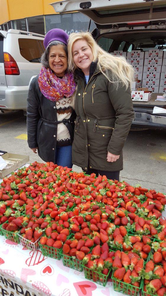 Crescent City Farmers Market: Tuesday Market