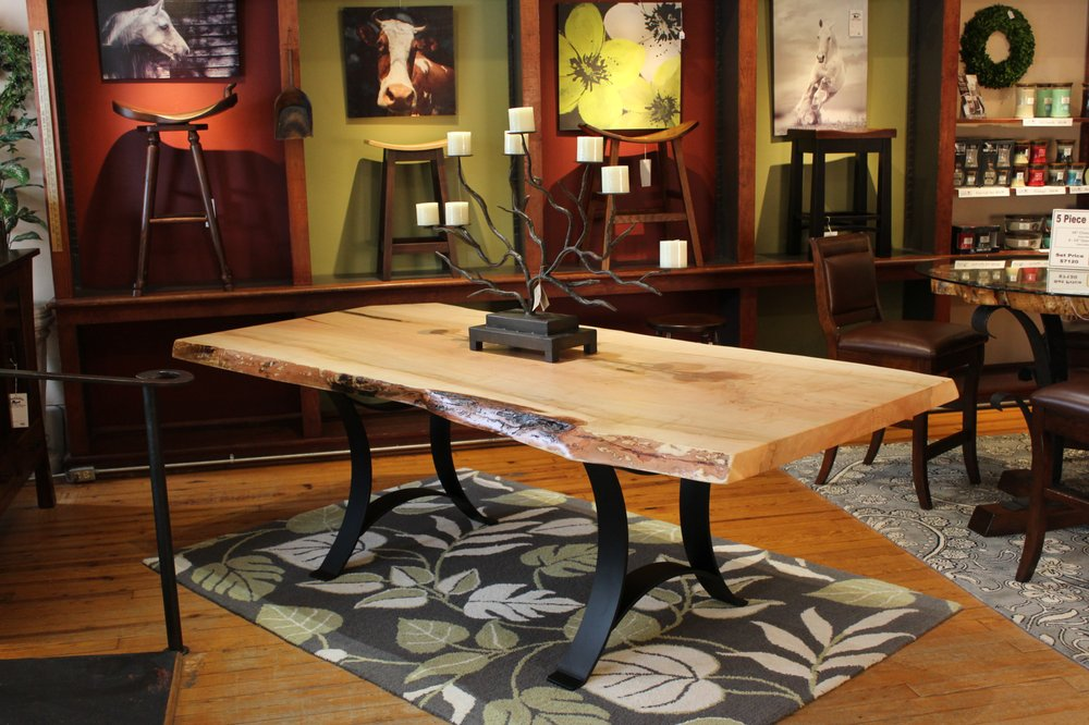 Foothills Amish Furniture: 106 E Rutherford St, Landrum, SC