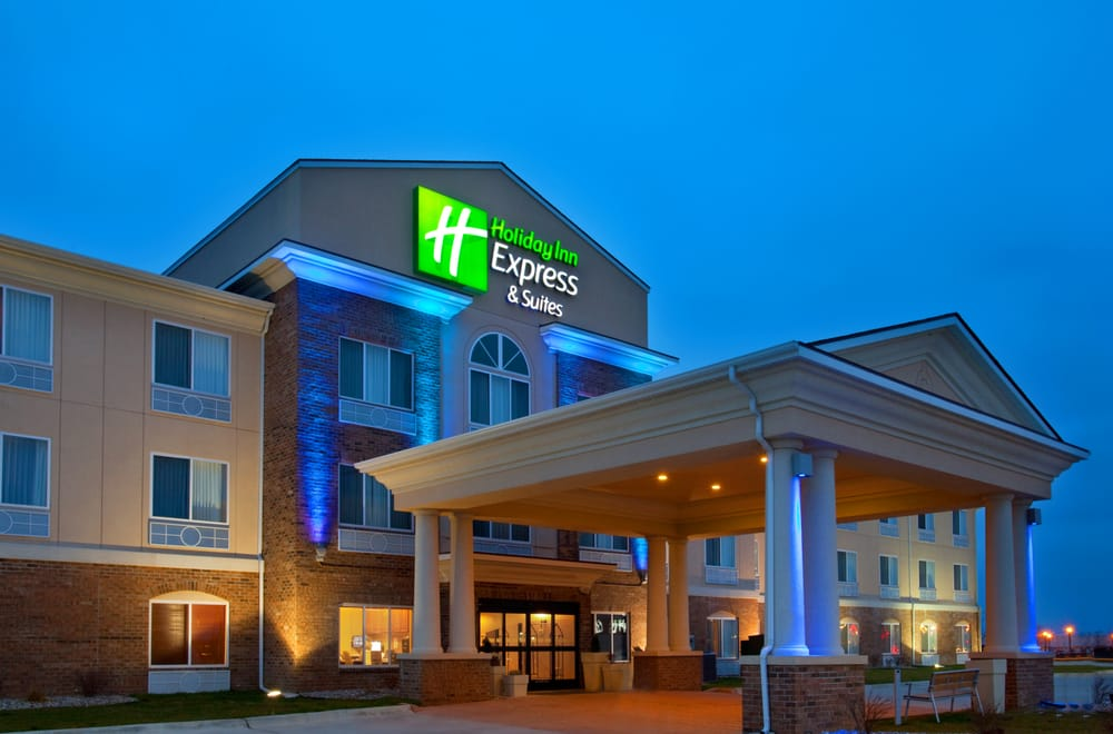 Holiday Inn Express & Suites Mattoon: 121 Swords Dr, Mattoon, IL