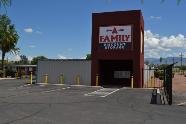 Merveilleux A Family Discount Storage 8125 E 22nd St Tucson, AZ Warehouses Self Storage    MapQuest