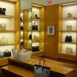 a2ce5354b8c3 Louis Vuitton Chicago Oakbrook Center - 24 Photos   121 Reviews ...