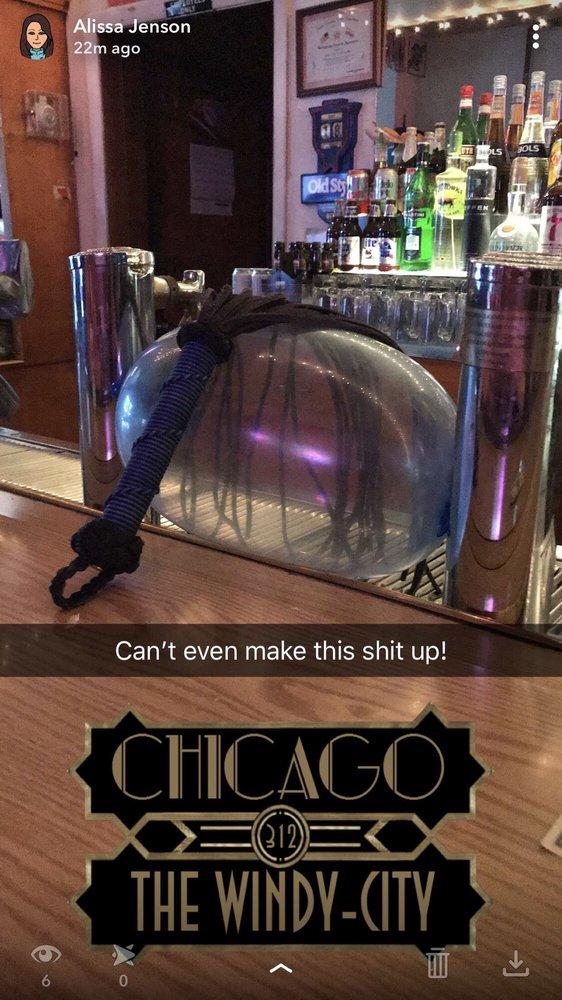 Stella's Sports Bar: 935 N Western Ave, Chicago, IL