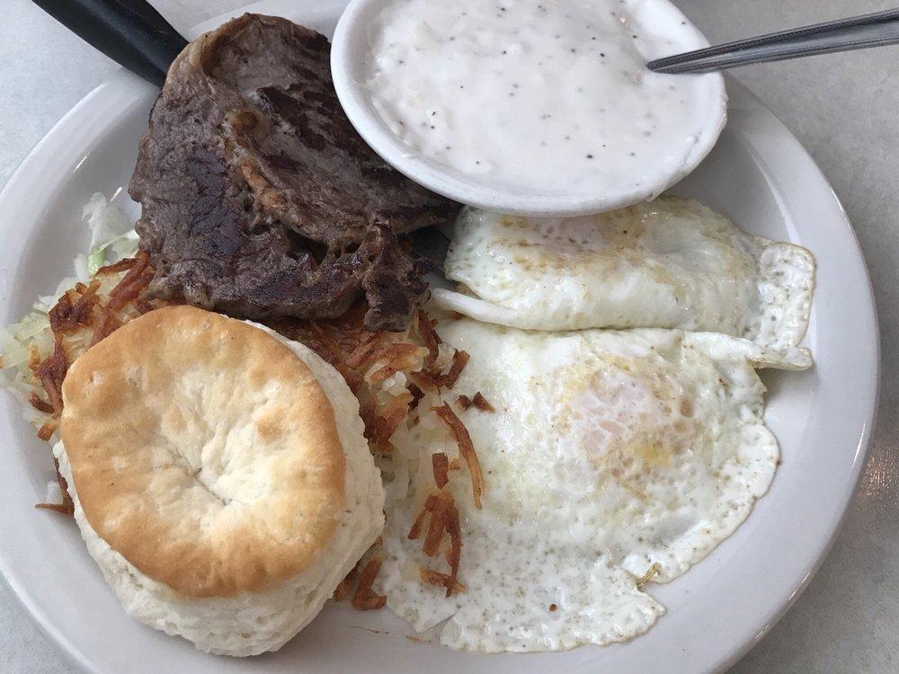 Family Ties Restaurant: 904 Webb Ave, Crossville, TN