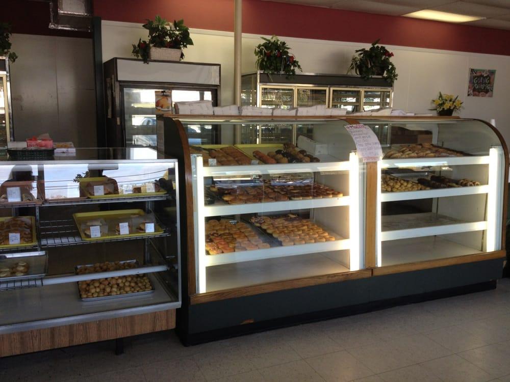 Gude's Bakery & Deli: 307 W Polk St, Burnet, TX