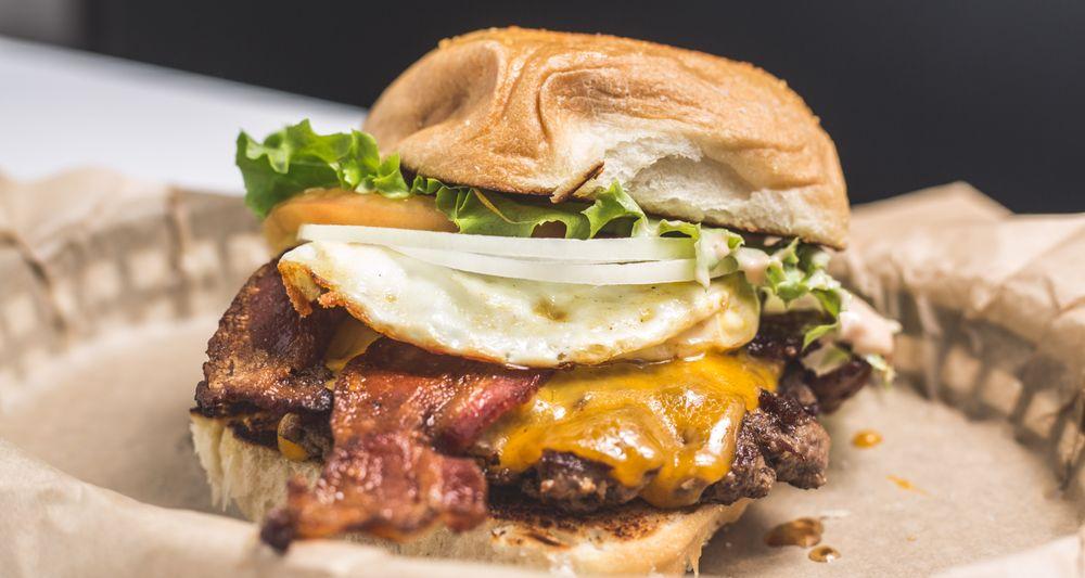 LA Burger: 210 N Main St, Grapevine, TX