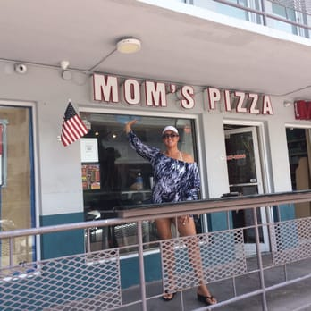 Mom S New York Pizza Miami Beach Fl