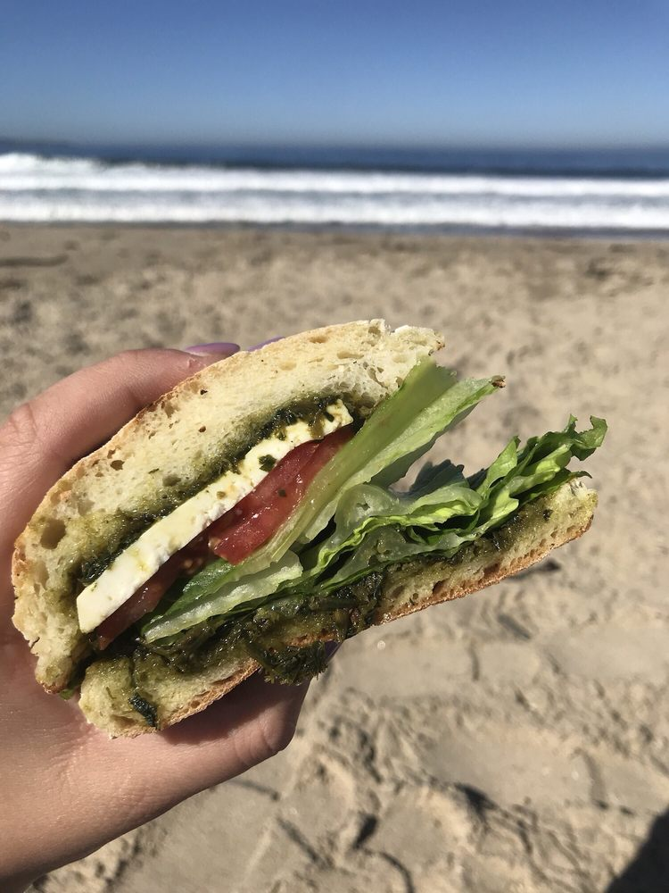 3 Mundos Sandwich Shop