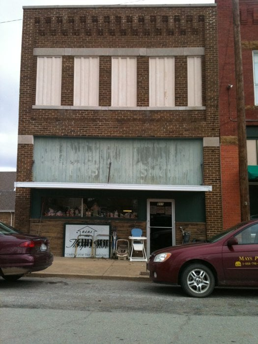 Ochs Thrift Store: 211 W 5th St, Okmulgee, OK