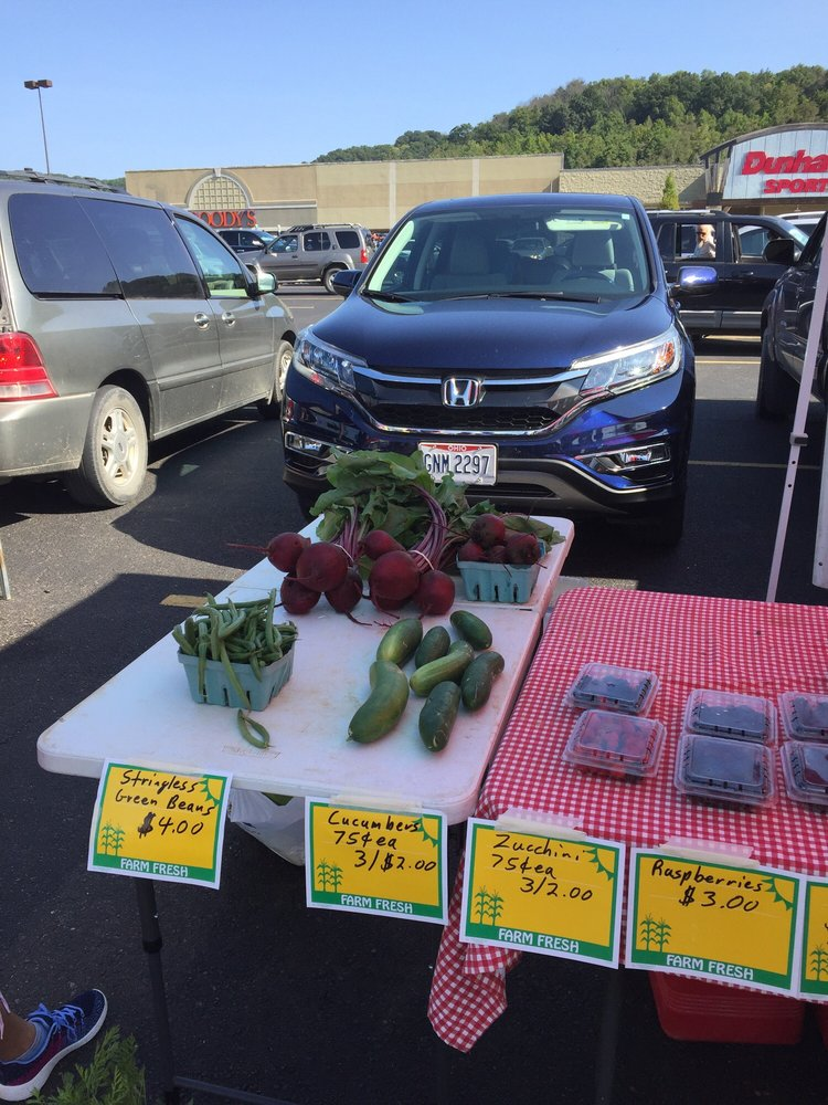 Athens Farmer's Market: 1000 E State St, Athens, OH