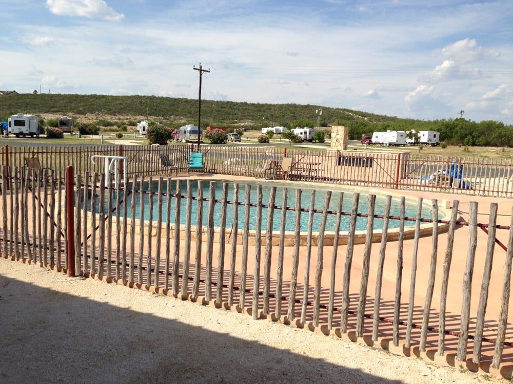 Broke Mill RV Park: 6069W US Hwy 90, Del Rio, TX