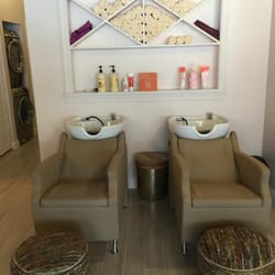 Photo Of Frizzie Lizzie S Dry Bar Chicago Il United States