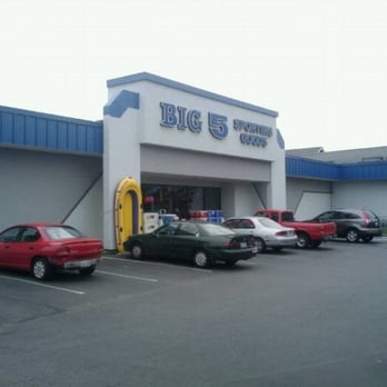 Big 5 Sporting Goods Seattle WA locations, hours, phone number, map and driving directions.