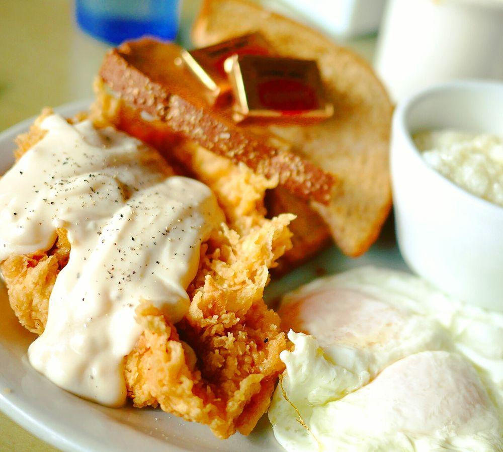 PoShines Cafe De La Soul: 8139 N Denver Ave, Portland, OR