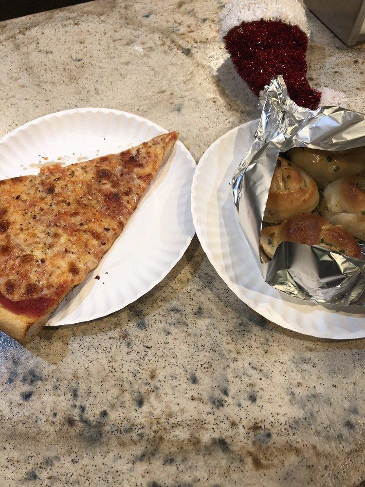 Tony's Pizzeria: 606 Montauk Hwy, Bayport, NY