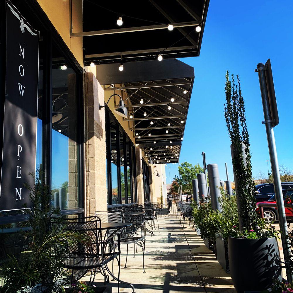 Aviano's Italian Cuisine: 3090 N Eastman Rd, Longview, TX