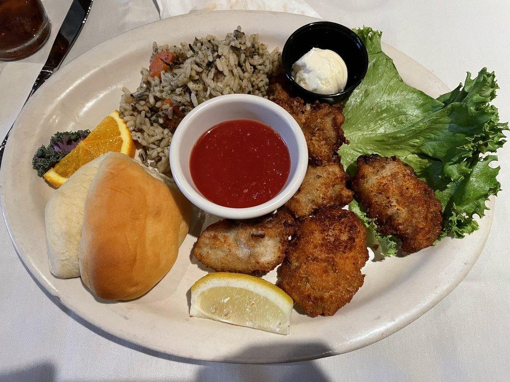 Sargents Restaurant & Lounge: 9021 N Government Way, Hayden, ID