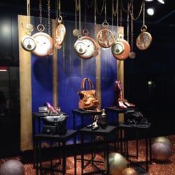 Galeries lafayette 40 photos 45 reviews department stores 4 rue lapeyrouse capitole - Vitrine noel galerie lafayette ...