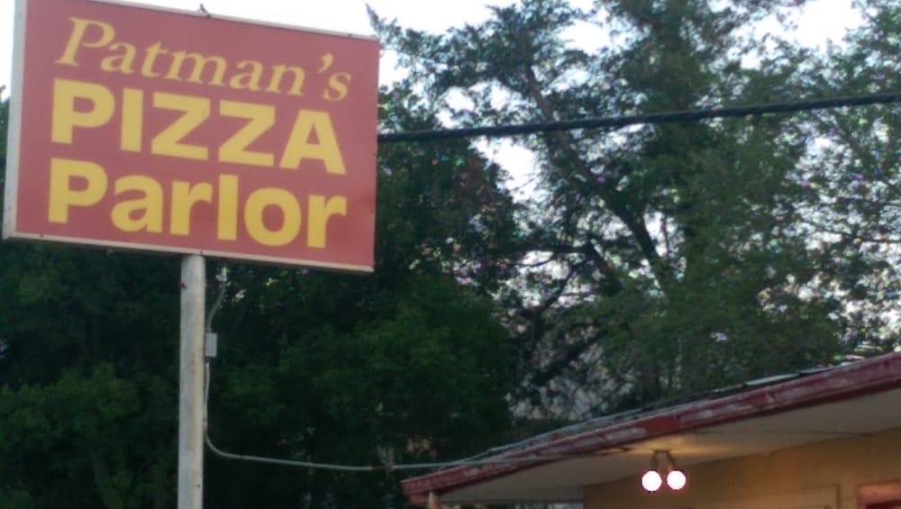 Patman's Pizza: 214 S Broadway St, Walters, OK