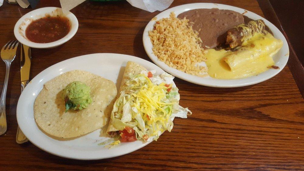 TEJAS Mexican Grill: 1209 N Pecan St, Bells, TX