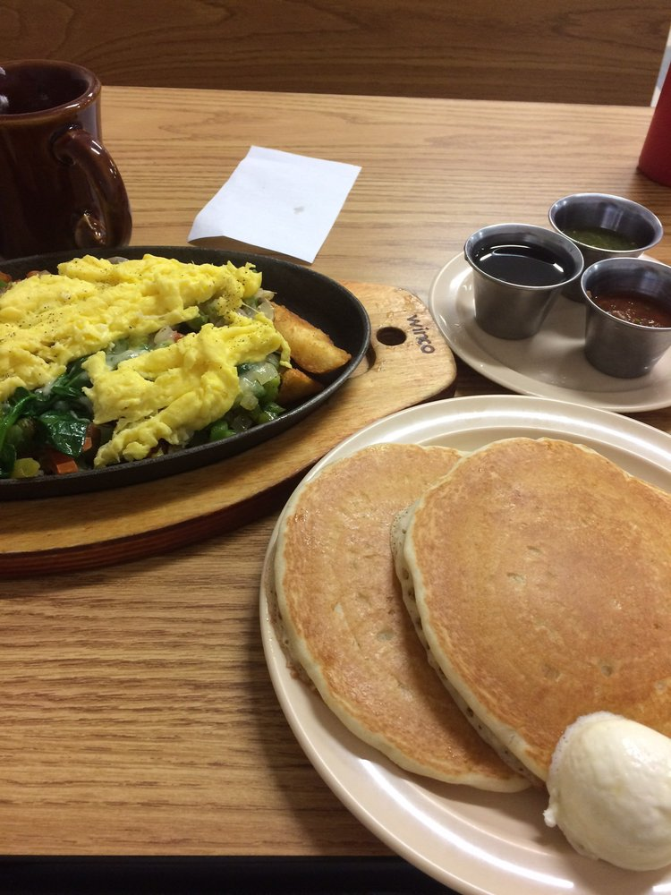 Chino Valley's Skillets Cafe: 990 N Hwy 89, Chino Valley, AZ