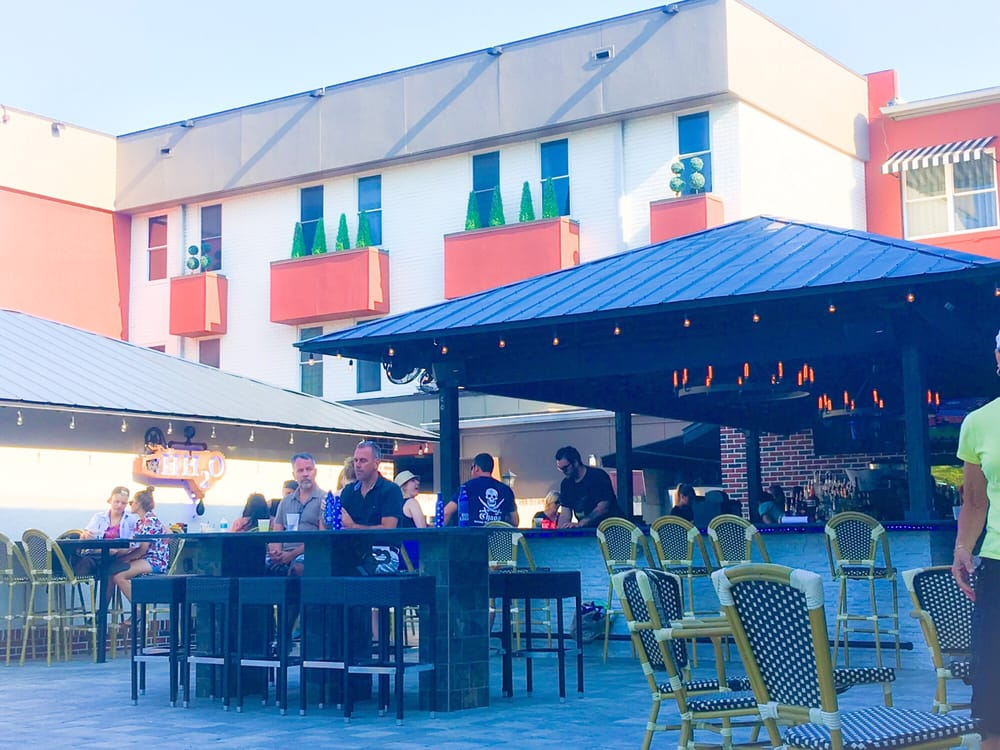 Hh2o Is The Pool Bar At The Hollander It Is Open To The Public And