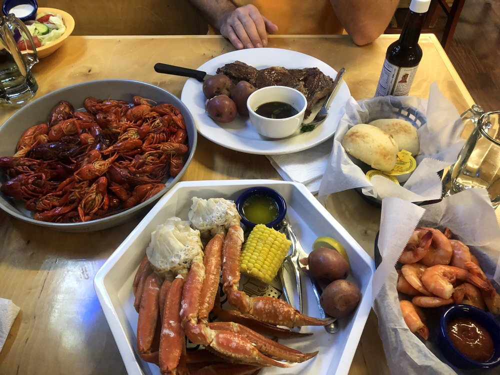 Ward's The Crawfish Hole: 768 Crystal Hill Rd, Hot Springs National Park, AR
