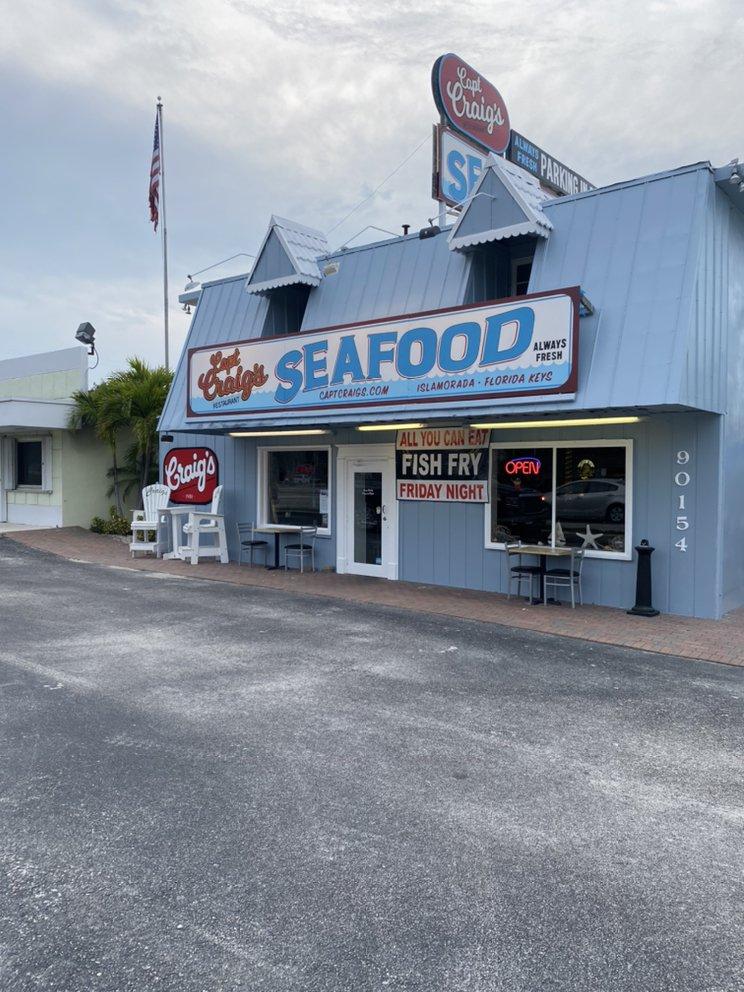 Captain Craig's Restaurant: 90154 Overseas Hwy, Tavernier, FL