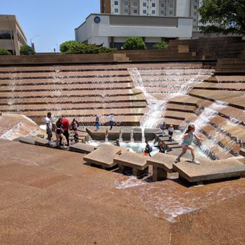 fort worth water gardens    reviews