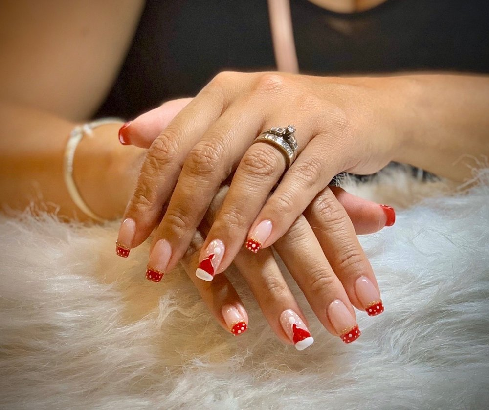 Photo of Royal Nails And Day Spa: Winter Garden, FL
