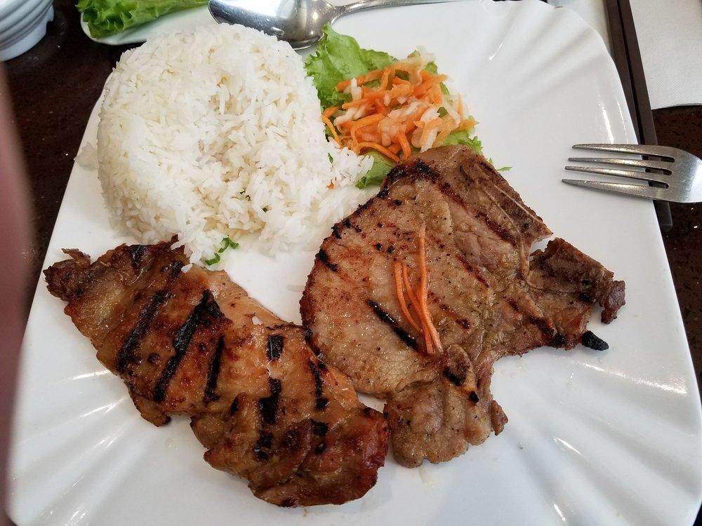 Xe Lua Restaurant