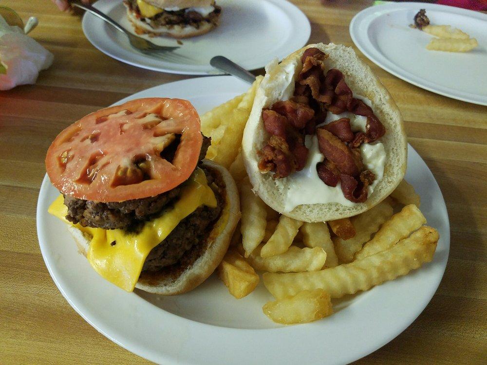 Papa Tom's Drive In Restaurant: 809 Martin Luther King Jr Blvd, Dillon, SC