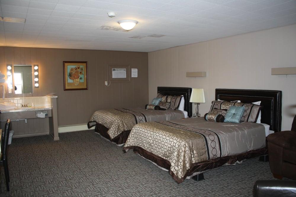 Oberlin Inn and RV Park: 402 W Frontier Pkwy, Oberlin, KS