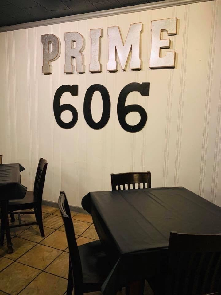 Prime 606 Steakhouse: 380 Cardinal Dr, Hazard, KY