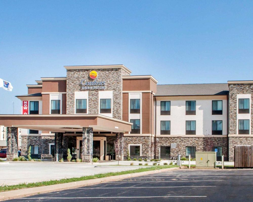 Comfort Inn & Suites: 2930 Williams Ave, Woodward, OK