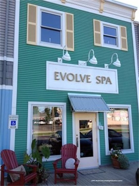 Evolve Spa: 309 W Buffalo St, New Buffalo, MI