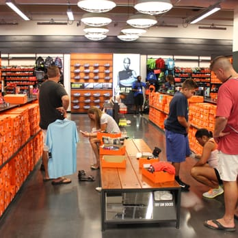 Nike Factory Store Long Beach Ca