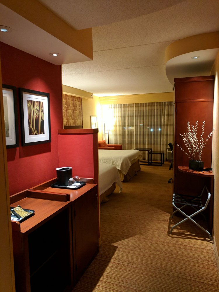 Courtyard by Marriott Lima: 936 Greely Chapel Rd, Lima, OH