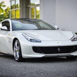 Photo De Ferrari Maserati Of Long Island   Plainview, NY, États Unis