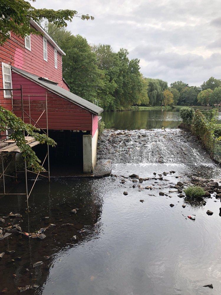 Cooper's Pond Park: 133-153 West Church St, Bergenfield, NJ