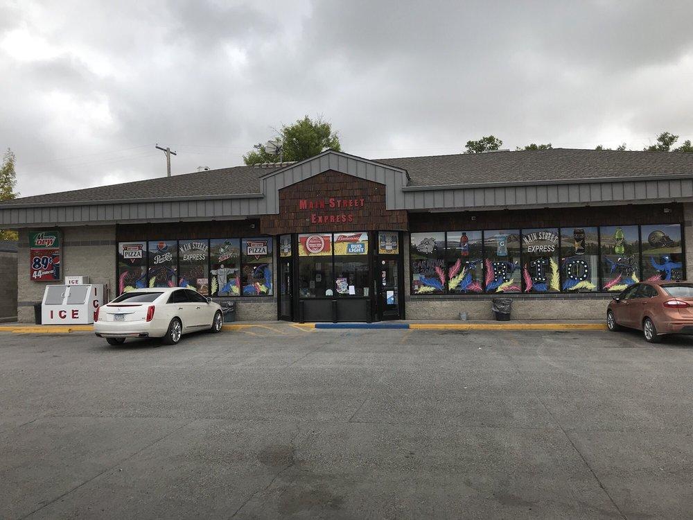 Main Street Express: 220 Main Ave N, Choteau, MT