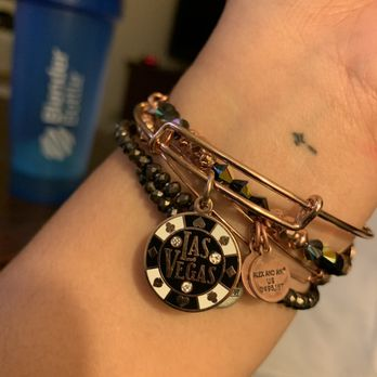 Alex And Ani Miracle Mile 22 Photos 20 Reviews Jewelry 3663