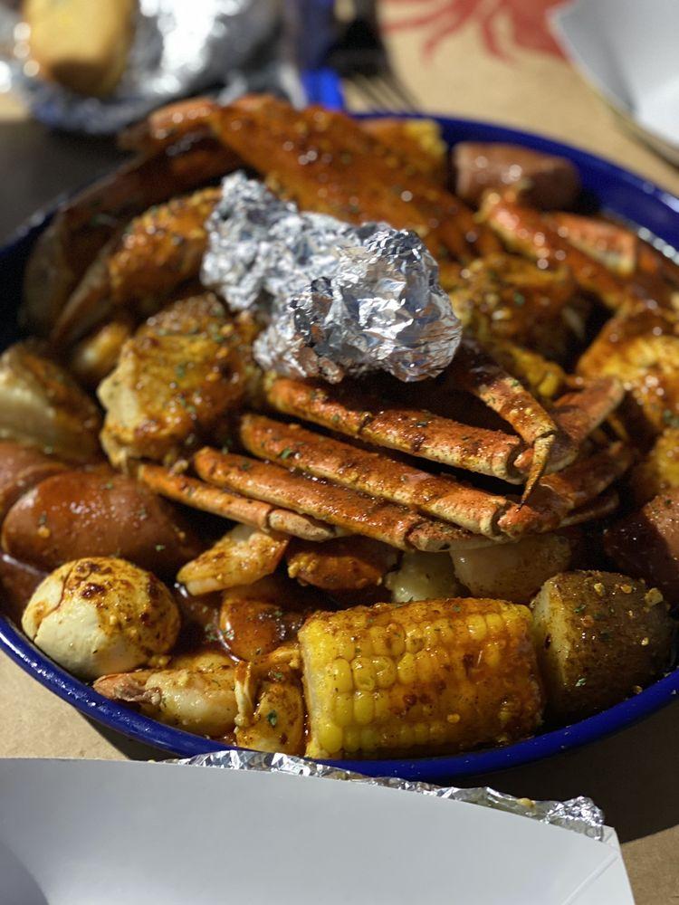 Royal Seafood Shack: 7604 Milwaukee, Lubbock, TX