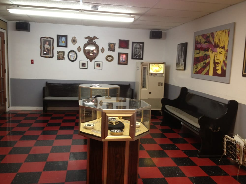 Southtown Tattoo & Body Piercing Studio: 5609 S 14th St, Fort Smith, AR