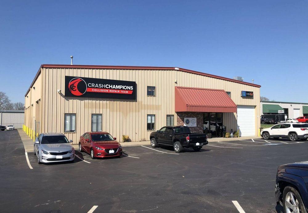 Crash Champions Collision Repair - Pleasant Valley: 6604 Royal St, Pleasant Valley, MO