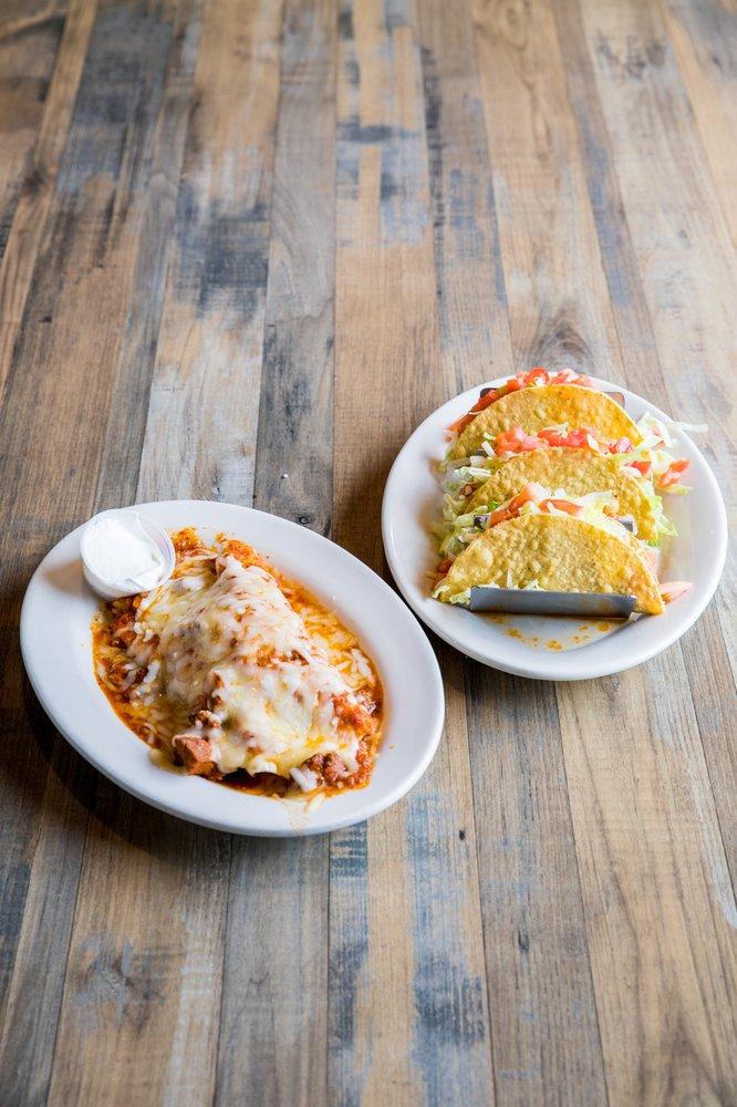 La Fiesta Mexican Restaurant: 902 Chicago Ave, Plattsmouth, NE