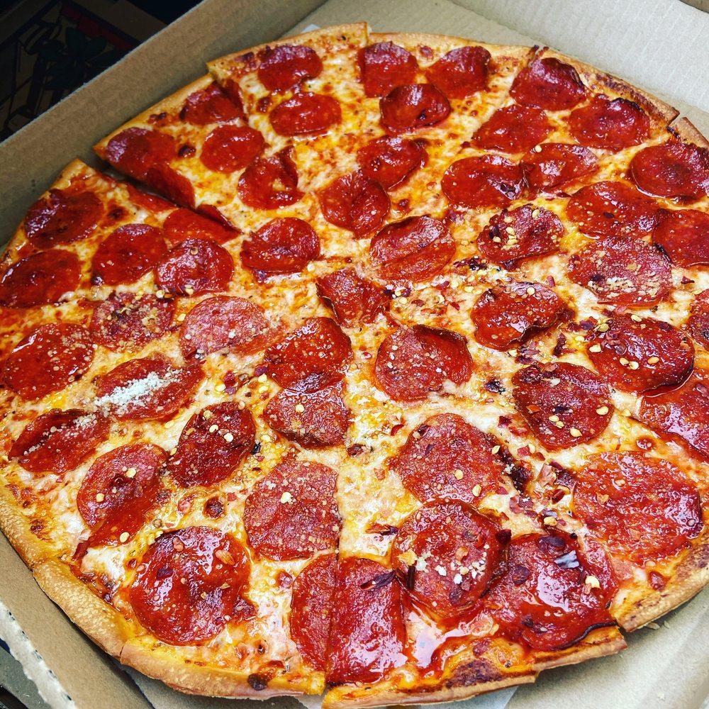 Papa Joe's Pizzeria: 1013 E Caswell St, Wadesboro, NC