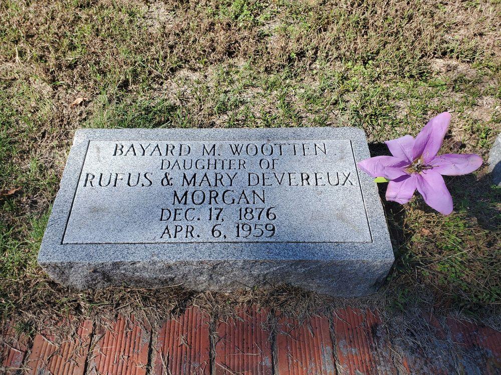 Cedar Grove Cemetery: 808 George St, New Bern, NC