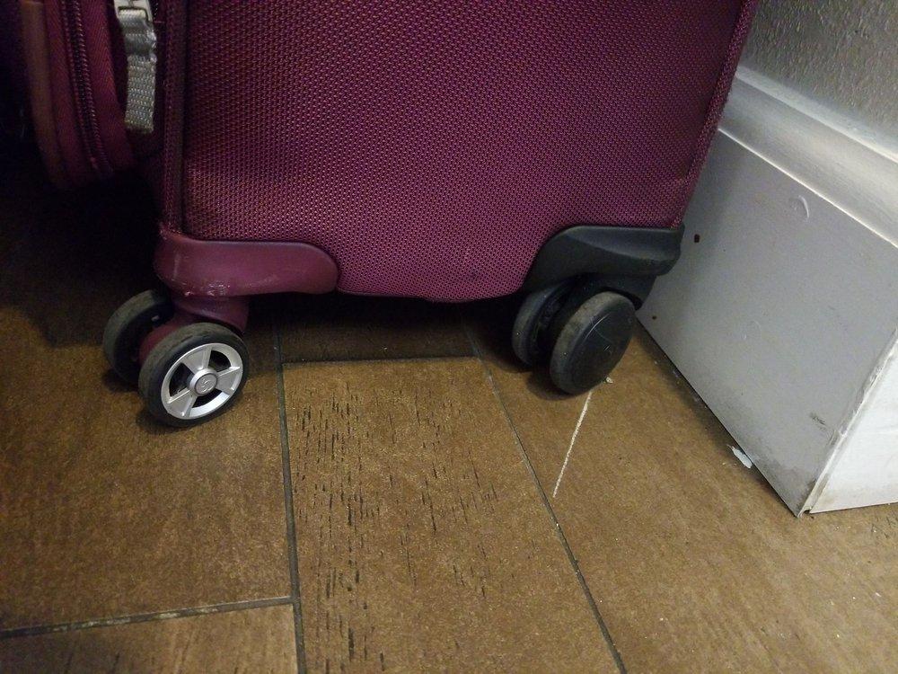 Dfw Luggage Repair: 9959 Royal Ln, Dallas, TX