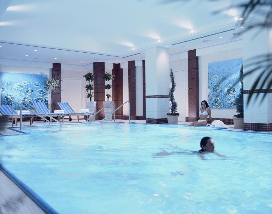 Indoor pool des berlin marriott hotel yelp - Indoor swimming pool berlin ...